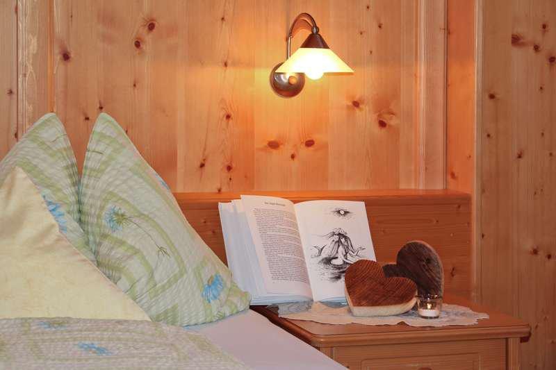 Ferienwohnung Lilie Schlafzimmer 01 Detail